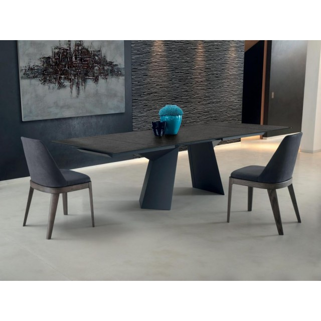 FIANDRE DINING TABLE