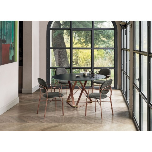 DELTA ROUND DINING TABLE